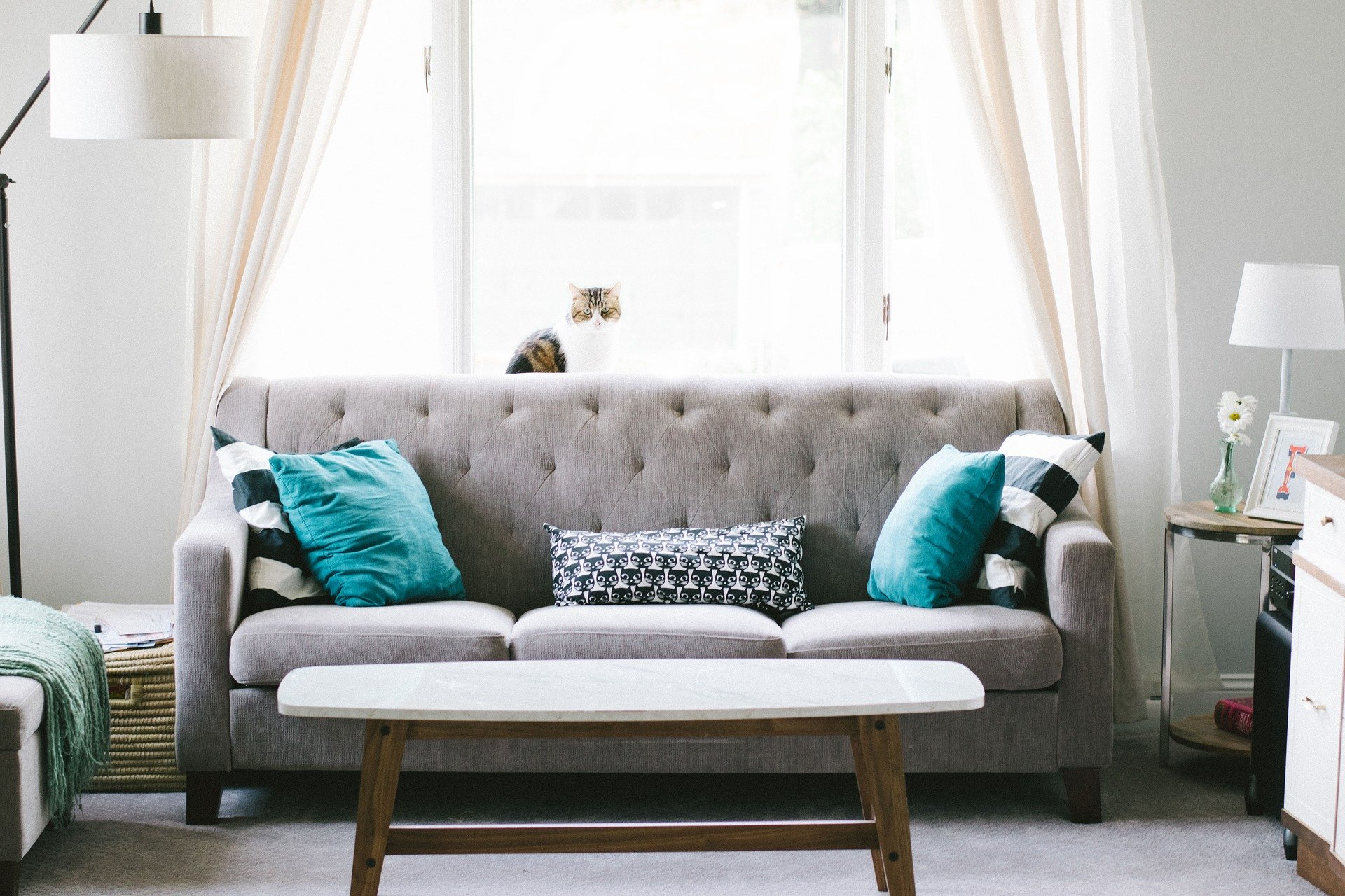 You are currently viewing Declutter Your Bedroom In Less Than A Day