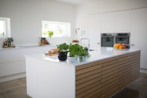 Organize Your Kitchen Cupboards with Six Smart Ways