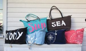 Read more about the article The Advantage of Using Cloth Bags