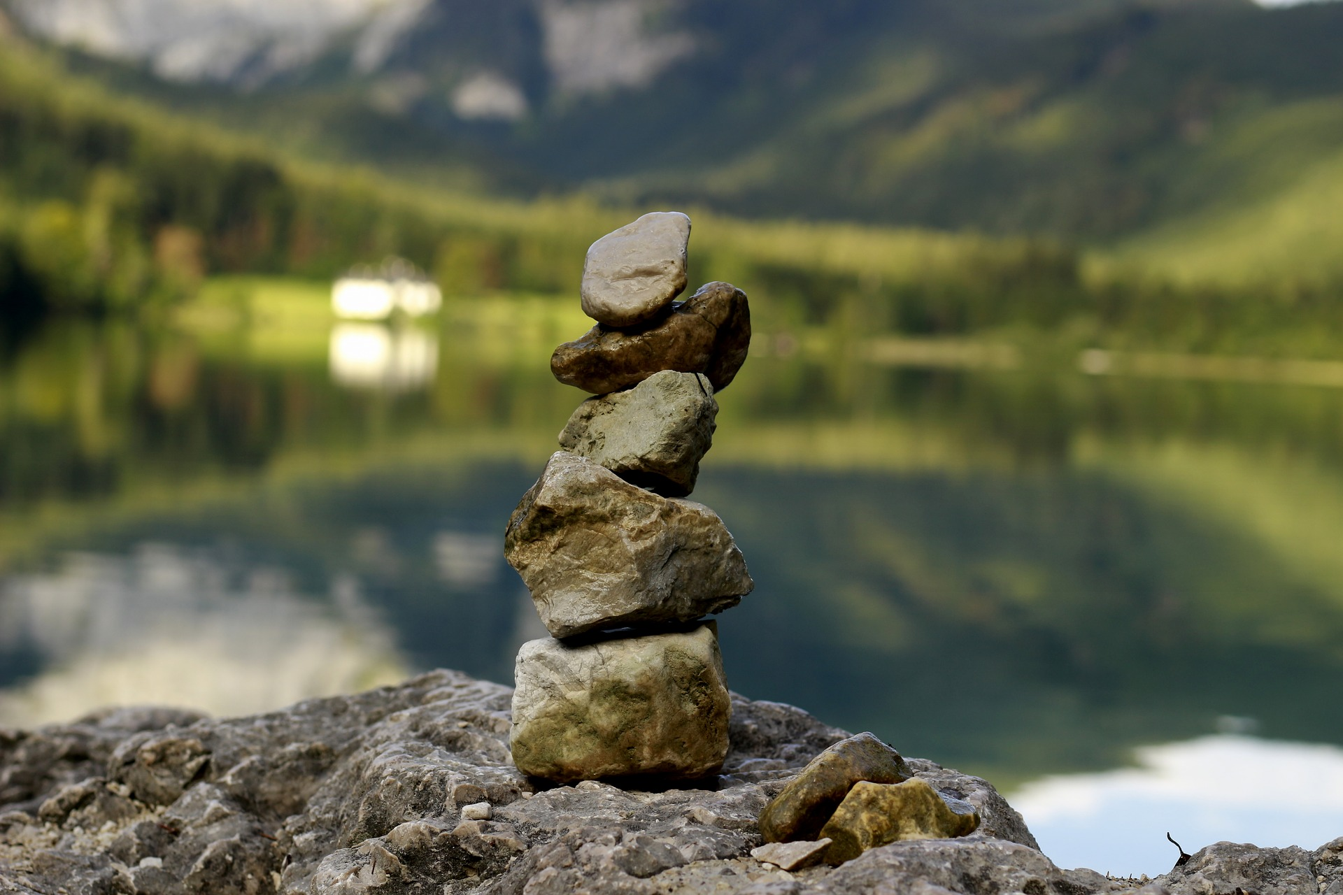 Essential Uses of Energy Rocks in Your Daily Life