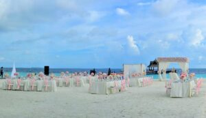 Read more about the article 3 Types of Chair Covers to Perk Up Your Wedding