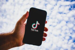 11 Best Hacks to Get More Likes And Fans On TikTok