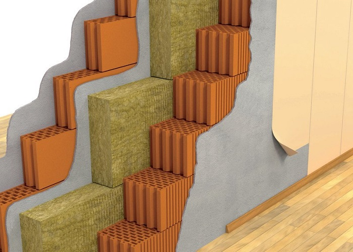 Read more about the article How Do Contractors Apply Insulation For A Variety Of Purposes?