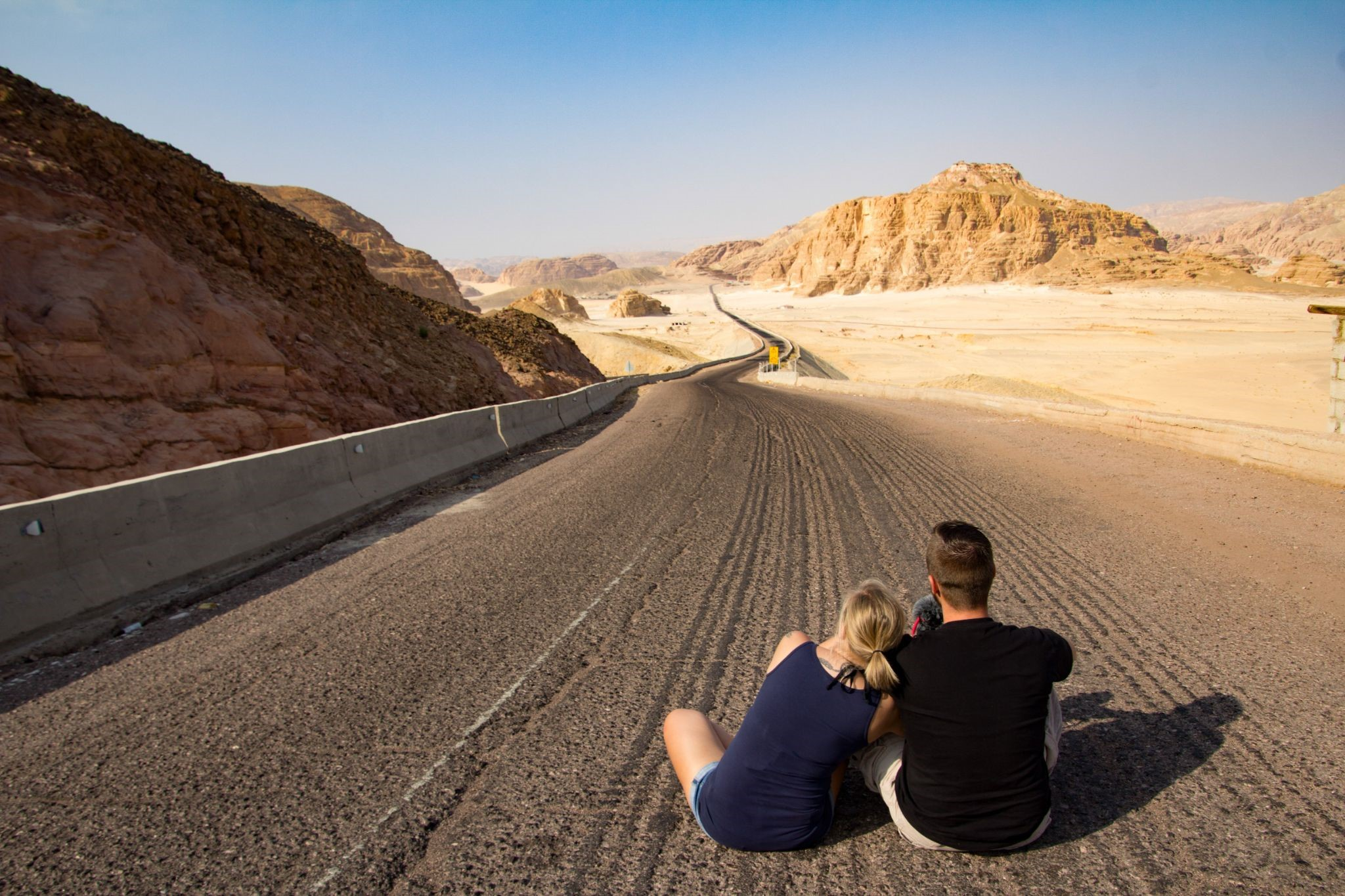 Read more about the article 8 Ways How Road Trips Benefit Your Relationships